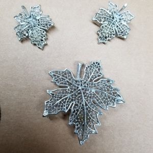 Sarah Coventry Maple Leaf Brooch & Earring Set